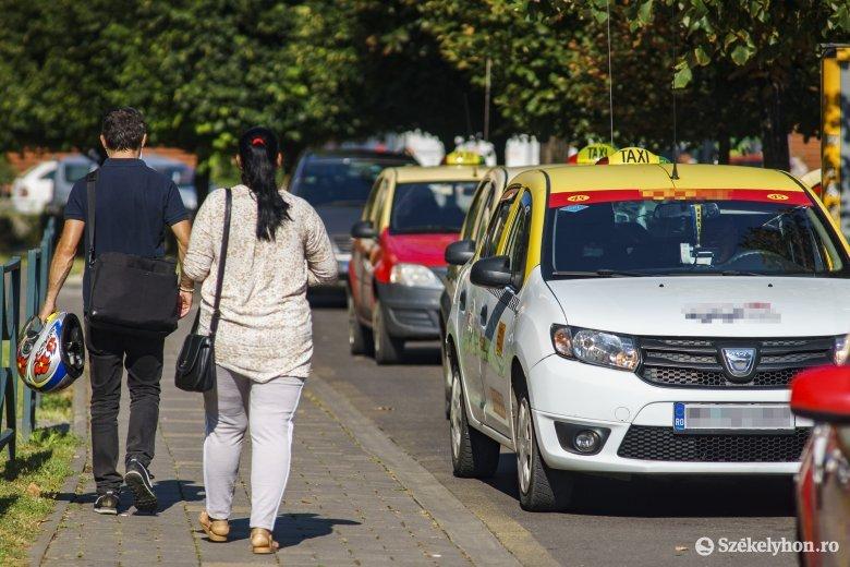A taxitársaság kapta a bírságot, mert nem árulta el, melyik sofőrje vétett