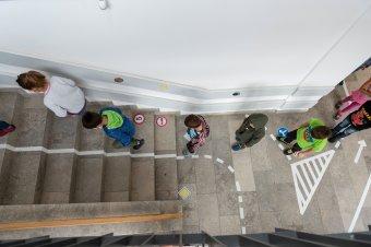 Szülői beleegyezéssel tesztelhetik a gyereket az iskolában, megfigyelés alapján szűrnek a pedagógusok