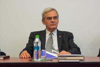 Tőkés László: az erdélyi magyar pártok összefogására van szükség a választási küszöb átlépéséhez