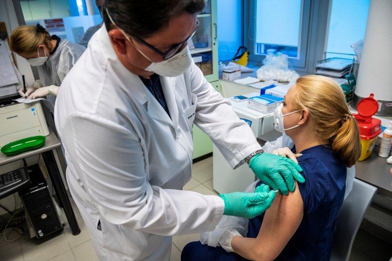 A legerősebb védettség a fertőzésen már átesett, beoltott páciensek szervezetében alakul ki
