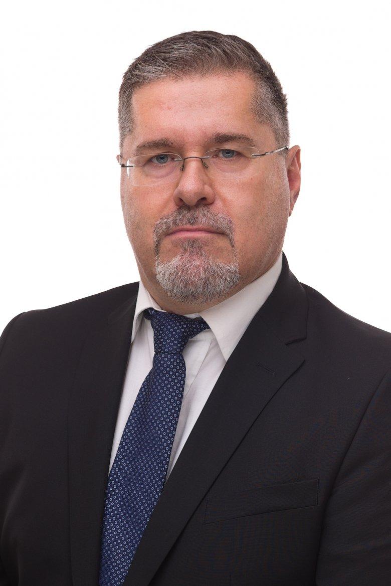 Ladányi László-Zsolt: döntsünk mi nélkülük, hogy ők ne dönthessenek nélkülünk! (x)