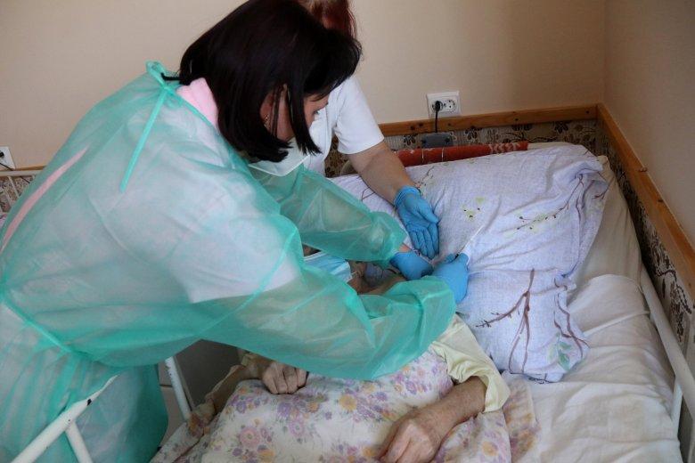 Segítségnyújtás azoknak a fekvőbetegeknek, akik beoltatnák magukat