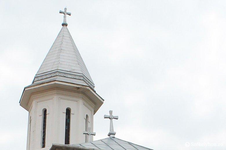 Kórházbővítés járványidőben ortodox templommal