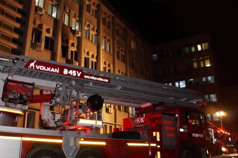 Hét férfi és három nő vesztette életét a Piatra Neamţ-i kórházban kiütött tűzben