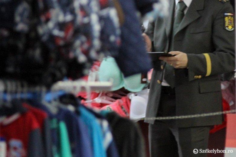 Ismert márkák hamisított ruháit foglalták le Hargita megyében