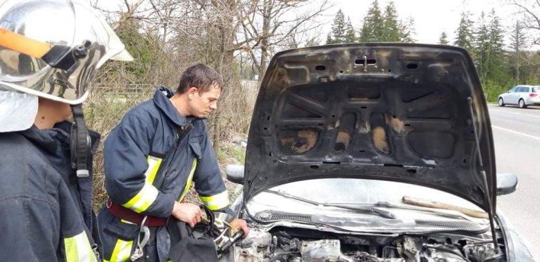 Autó gyúlt ki Kalibáskőn, melléképület kapott lángra Lövétén