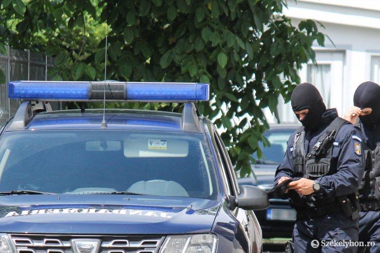 Korrupcióellenes ügyészek tartanak házkutatásokat a román csendőrségnél a tiszti vizsgák ügyében