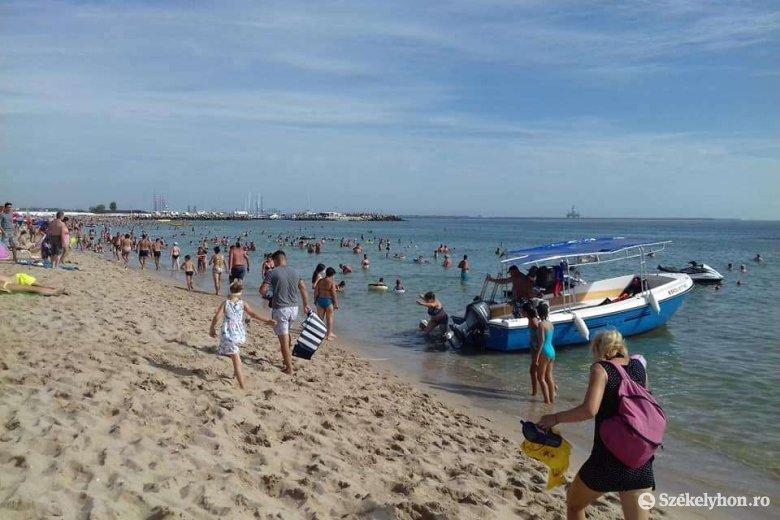 Amikor a belügyminiszter engedélyezi a tengerparti majálist