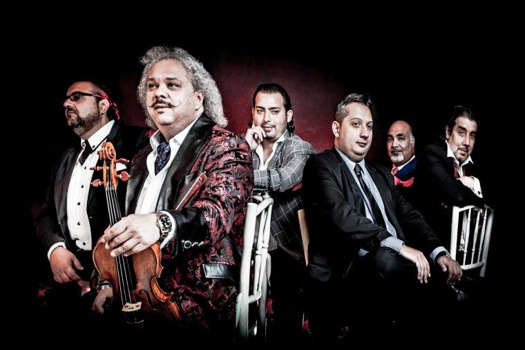 Csíkszeredában, a Csíki Kamarazenekarral koncertezik a Roby Lakatos Ensemble (x)