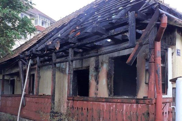 Tűz ütött ki egy balánbányai házban, égési sérüléseket szenvedett a lakója
