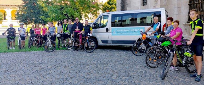 Kerékpárral Budapestre Ferenc pápához
