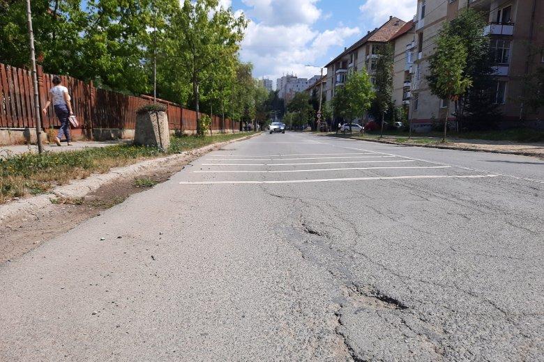 Újraaszfaltozzák a Decemberi forradalom utcát, időszakos útlezárásokkal kell számolni