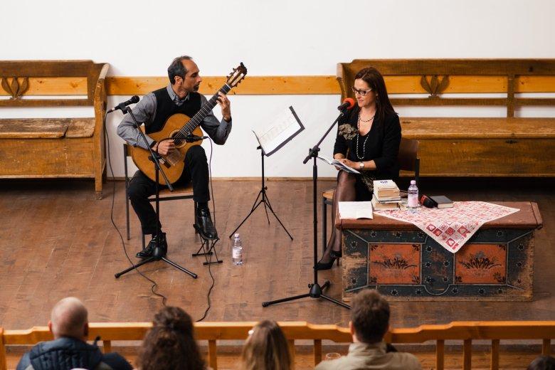 A dél-amerikai zene és magyar vers találkozása Gyimesbükkben