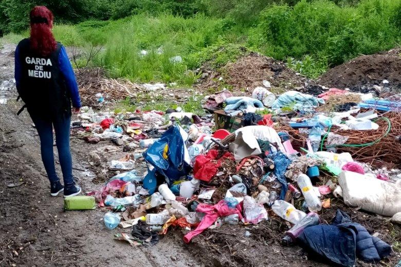 Nagyon szép ország nagyon sok szeméttel – A világnapon Iohannis is látja a hulladékproblémát
