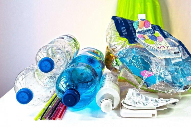 Romániában is betiltják az egyszer használatos műanyagtermékeket