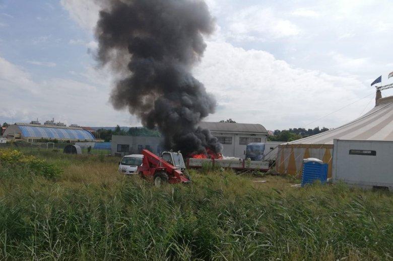 Cirkuszi lakókocsi égett le Székelyudvarhelyen