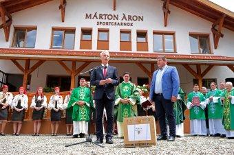 Magyarországi támogatással épült sportcsarnokot avattak Gyimesközéplokon