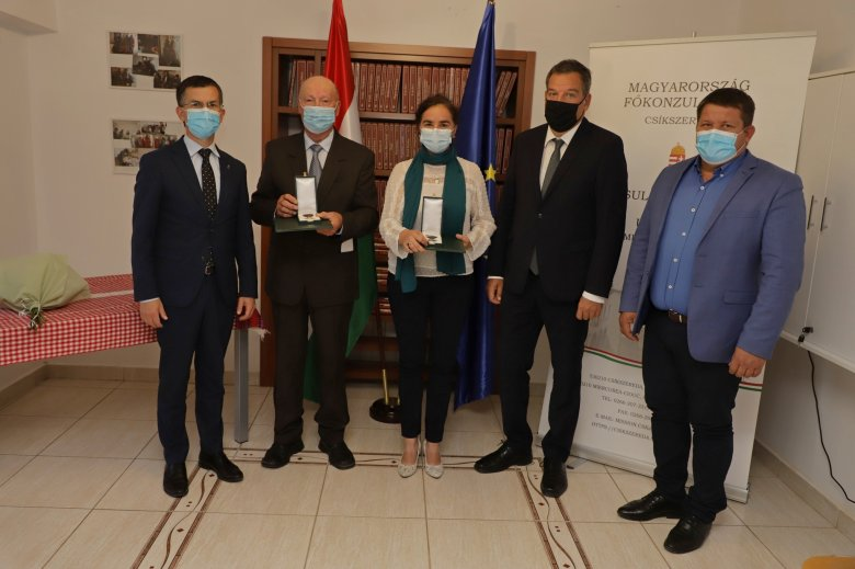 Magyar állami kitüntetések a csángó magyarság megmaradásáért végzett munkáért