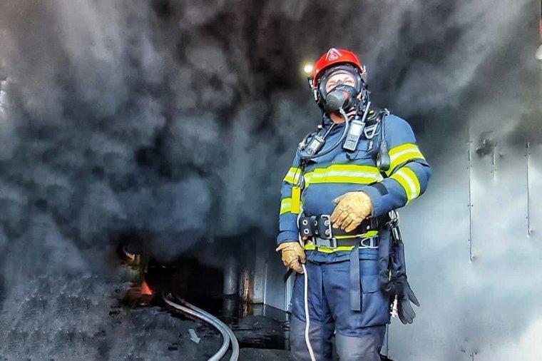Hatalmas füsttel égett egy kereskedelmi egység Marosvásárhelyen