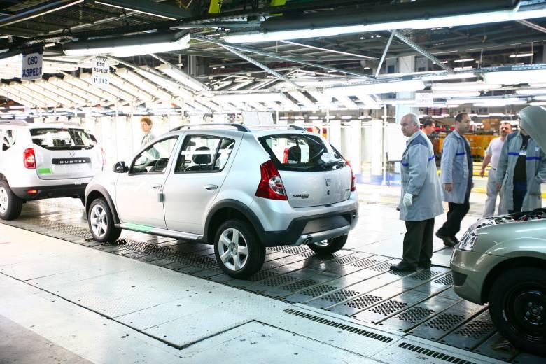 Kelendő a Dacia: nyolc százalékkal nőtt a gépkocsigyártás Romániában
