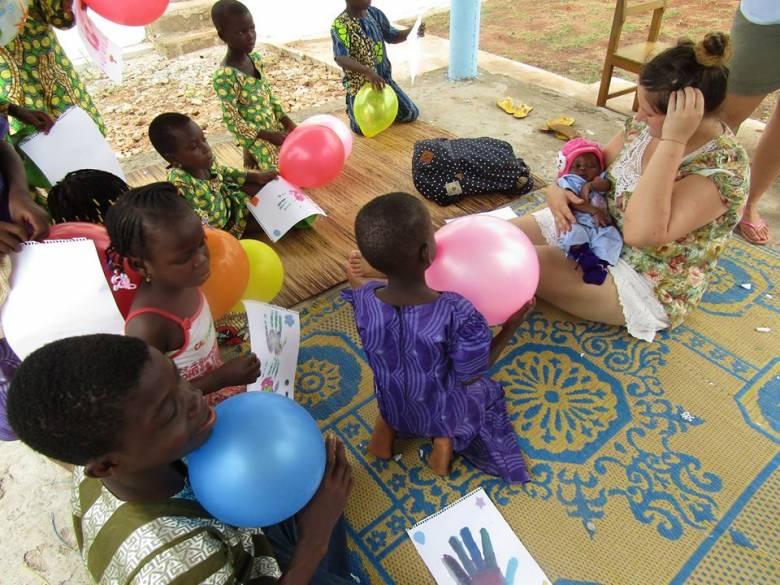Erdélyi önkéntes fiatalok Afrikában