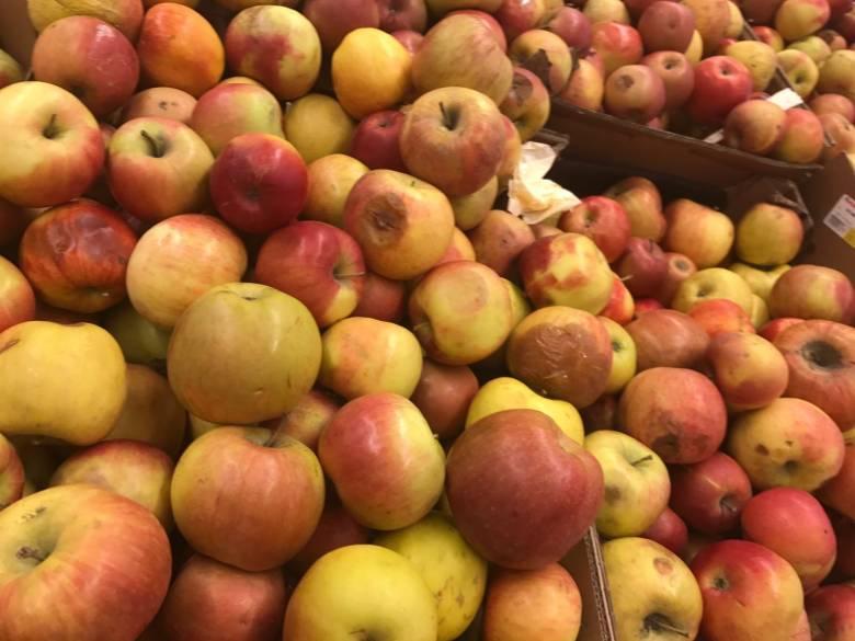 Romlott, penészes gyümölcsök miatt bírságoltak a fogyasztóvédők
