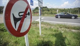 Sok volt a dudaszó, bírságot kaptak a tiltakozó autósok Sepsiszentgyörgyön