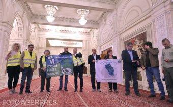 """Akarat és pénz kell a """"székely–moldvai"""" sztrádára: kikényszerítené a parlament a Marosvásárhely–Jászvásár-autópályát"""