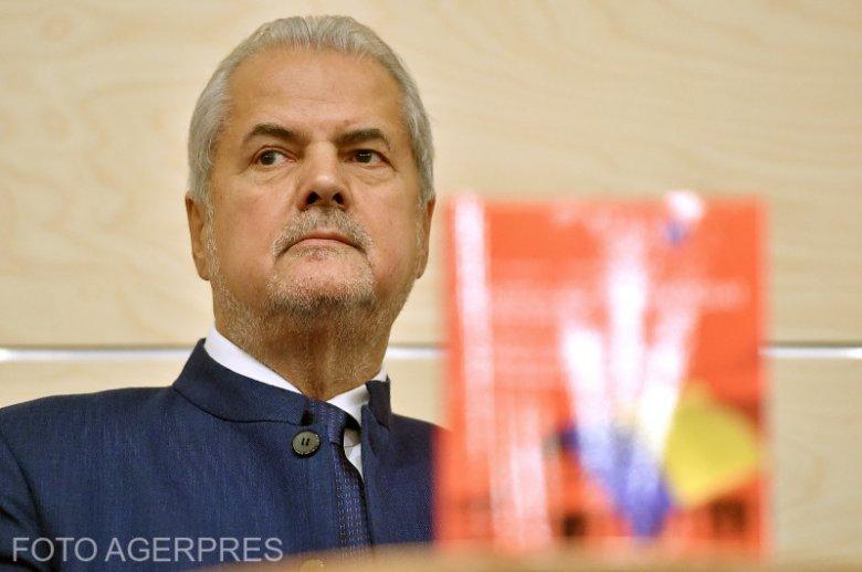 Visszavonja az elnök a Románia Csillaga kitüntetést Adrian Năstasetől