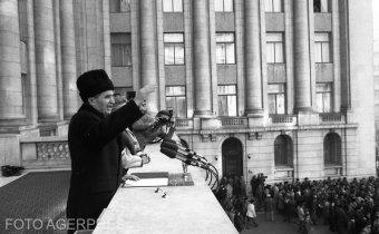 """Valentin Ceaușescu belépett a forradalomperbe, hogy Iliescuék """"bűnhődjenek"""" a diktátor kivégzése miatt is"""