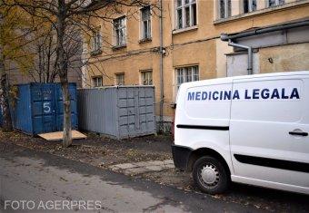 Újabb konténert helyeztek el a nagyszebeni megyei kórház udvarán a koronavírusban elhunytak számára