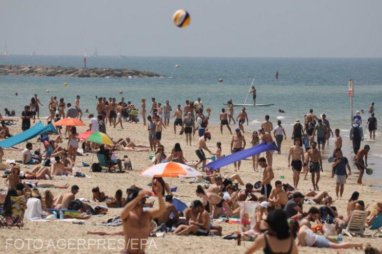 Bevált a tömeges oltakozás, visszatért a normalitás Izraelbe – FOTÓK