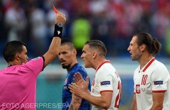Román játékvezető mutatta fel az Eb első piros lapját