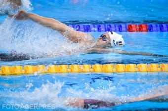 Döntőbe és elődöntőbe jutottak a magyar és román úszók
