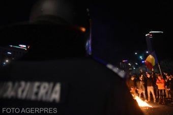 Pászkán Zsolt elemző a korlátozásellenes tüntetésekről: a kormány mindent megtett az indulatok felkorbácsolásáért