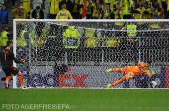 A kapusok is tizenegyeseket rúgtak az Európa Liga-fináléban