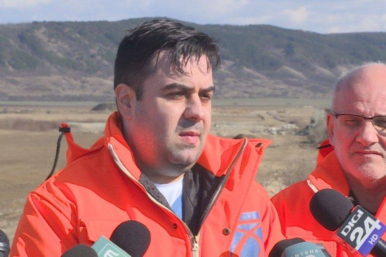 Készülőfélben lévő autópálya-szakaszoknál tájékozódott és ígérgetett a miniszter