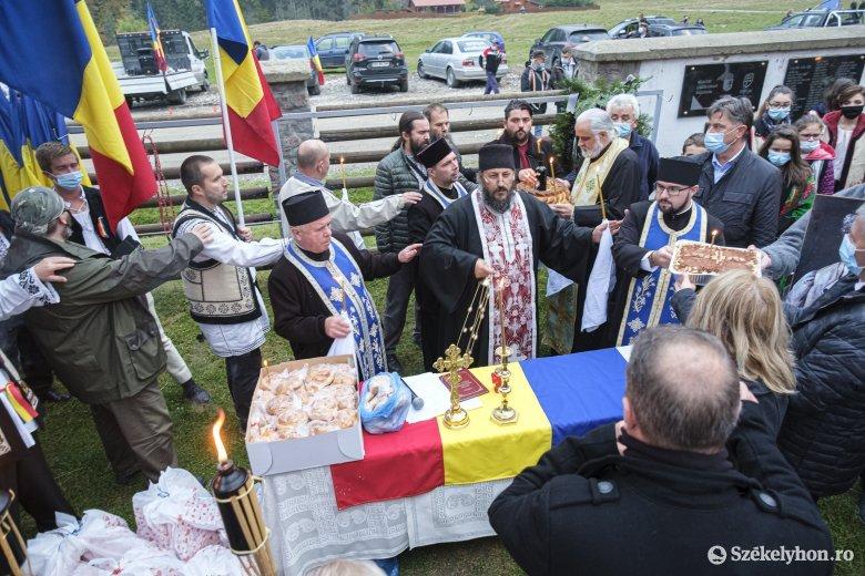 Járványhelyzetben is ünnepséget tartottak a román hadsereg napján Úzvölgyében