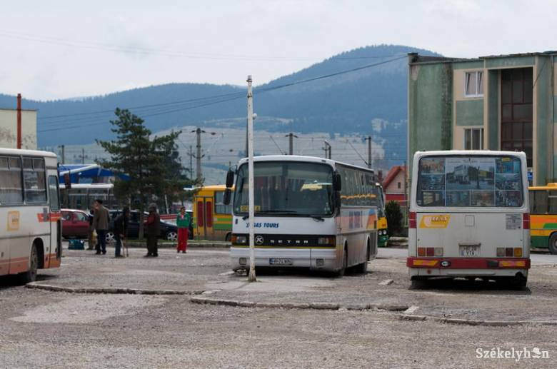 Sorompókat kap az autóbusz-állomás