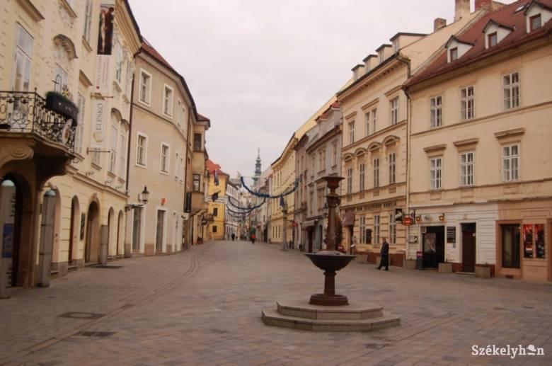 Kijárási tilalmat vezetnek be Szlovákiában az egyre súlyosabb járványhelyzet miatt