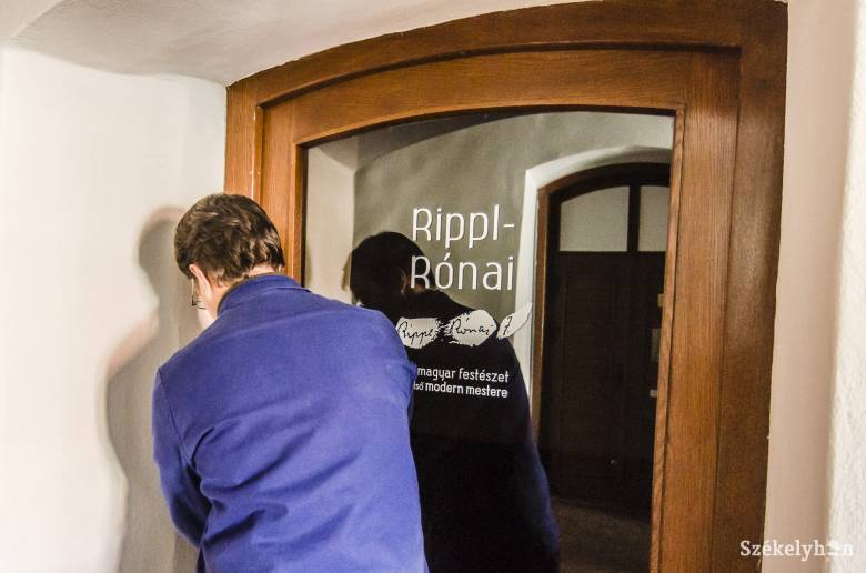 Antropológiai tárlat váltja a Rippl-Rónai kiállítást