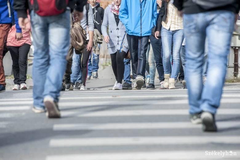Sétálj velünk az iskolába! – figyelemfelkeltő akció Sepsiszentgyörgyön