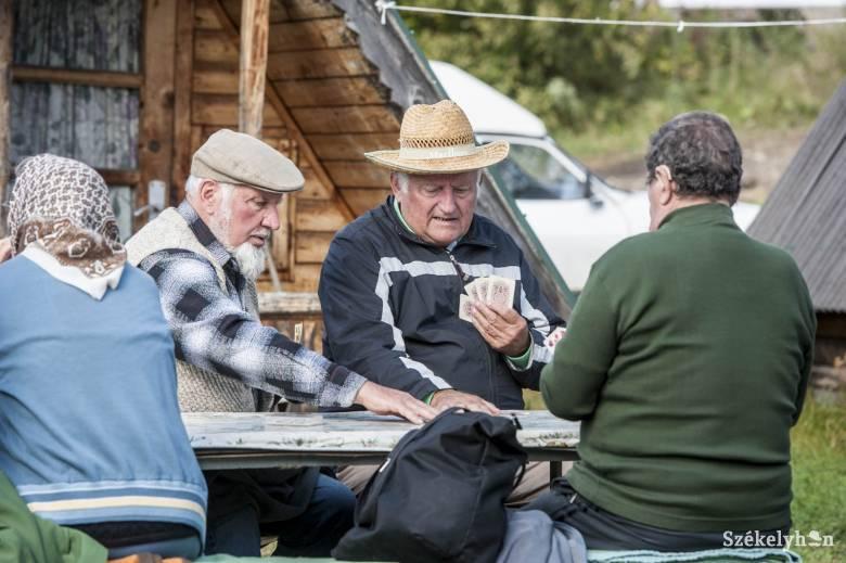 Kihasználatlanság ürügyén kevesebb pénzt különített el idén a nyugdíjasok gyógyüdülésére a kormány