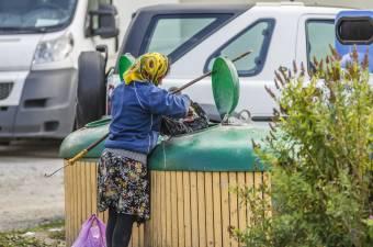 Őrző-védő cég segítségével lép fel a guberálás ellen a csíkszeredai városvezetés
