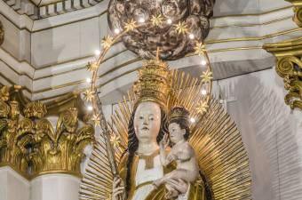 Arany rózsát adományoz Ferenc pápa a csíksomlyói kegyhelynek
