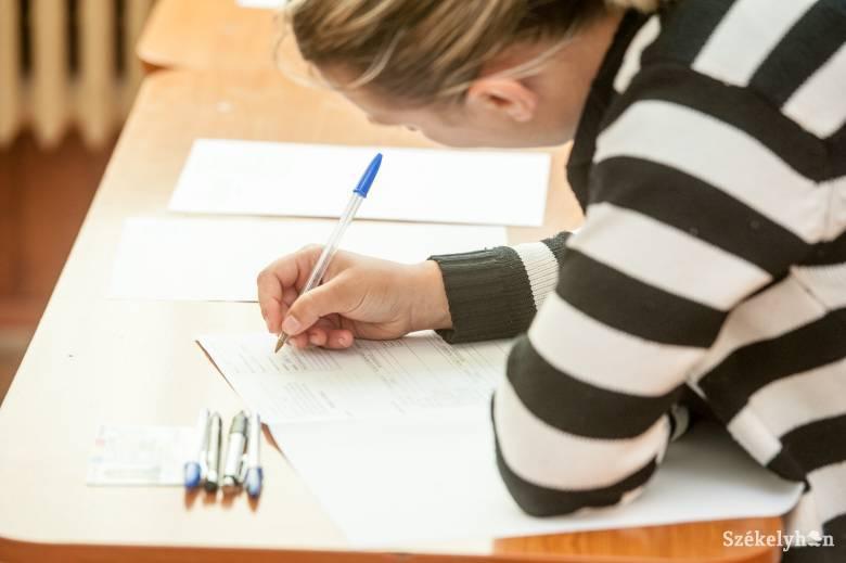 A pedagógusok vizsganaptárát is átírta a járvány