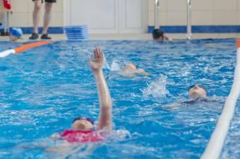 Úszni szeretne hétköznap délután a Csíki Csobbanóban? – csak ha van szabad úszósáv
