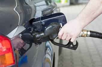 Vizsgálja a Versenytanács, hogyan drágulhatott negyven százalékkal az üzemanyag egy év alatt