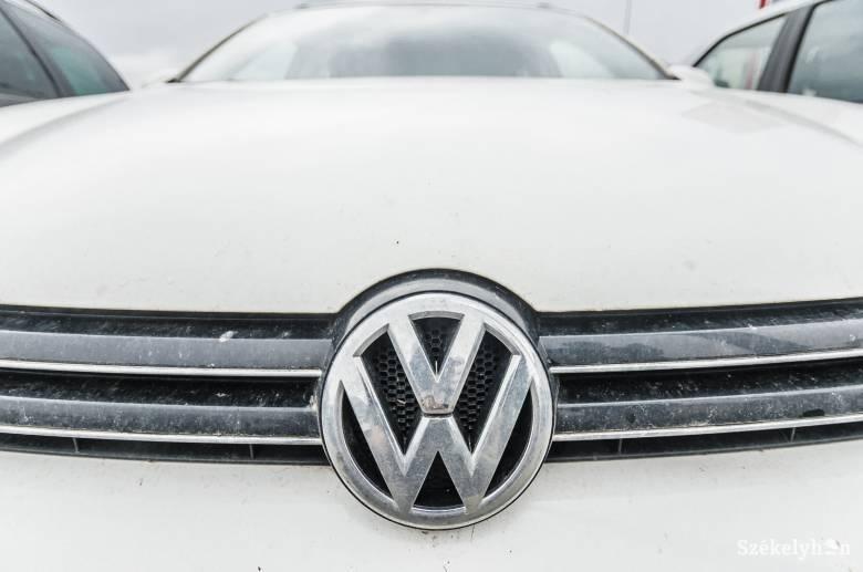 Dízelbotrány: több száz millió euró kártérítést fizetnek volt vezetői a Volkswagen csoportnak