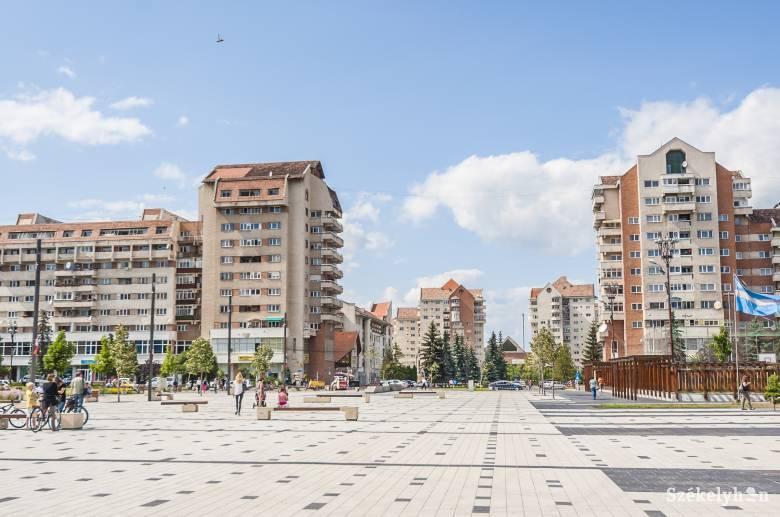 Néhány feszültségkeltő miatt elhalasztották Sebestyén Balázsék csíkszeredai látogatását